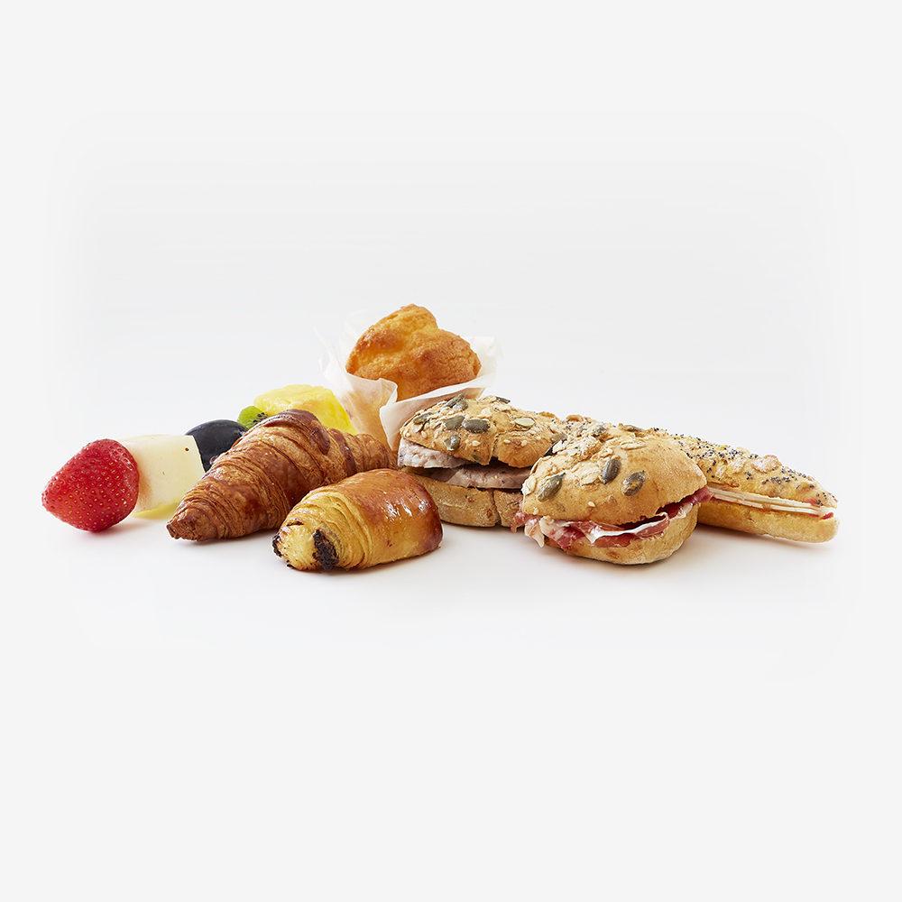 Desayuno gran selección con fruta